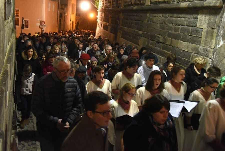 La procession des Pénitents blancs en images