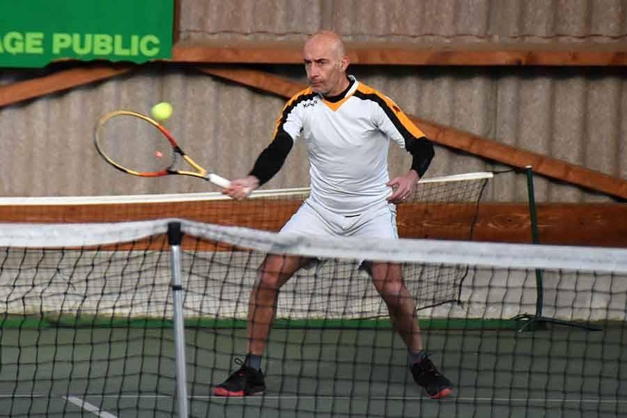 Tennis : Eric Rousselot remporte le tournoi d'Yssingeaux-Le Puy