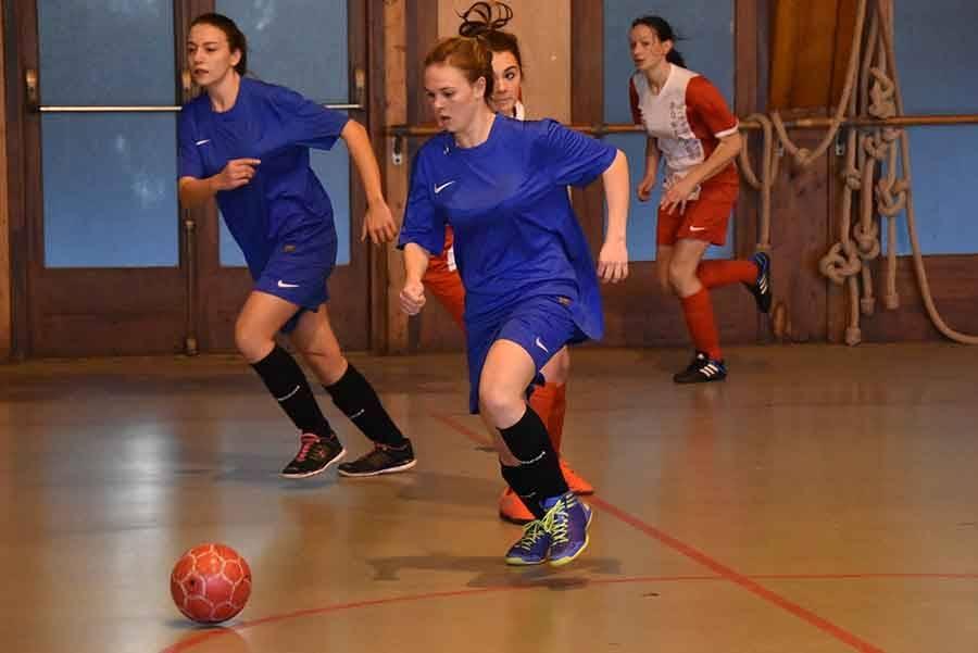 Les footballeuses de Tence gagnent le tournoi de futsal
