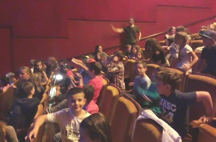 Grazac : les écoliers au théâtre