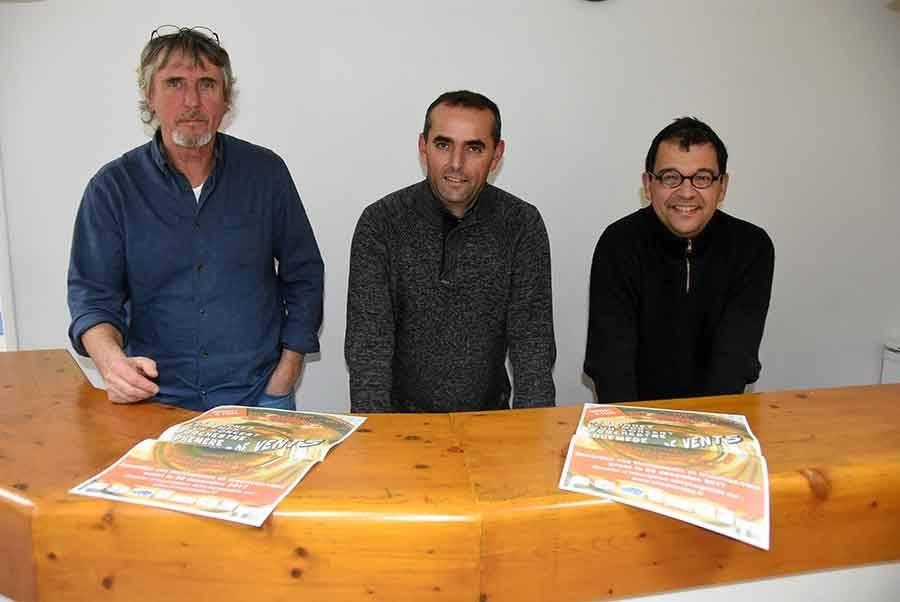 Jean-Michel Bernaud, musicien à l'harmonie de Sainte-Sigolène, Hervé Flassayer, musicien à l'harmonie Zac Strol Band à Monistrol-sur-Loire, et Yvan Chalamet, président de l'Ecole intercommunale de musique et de danse des Marches du Velay-Rochebaron.