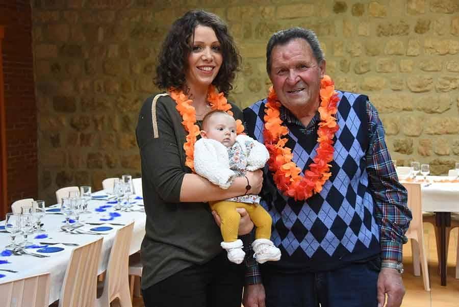 Marc Suc au côté de Lison Allemand, 2 mois, et sa maman, jeune trentenaire