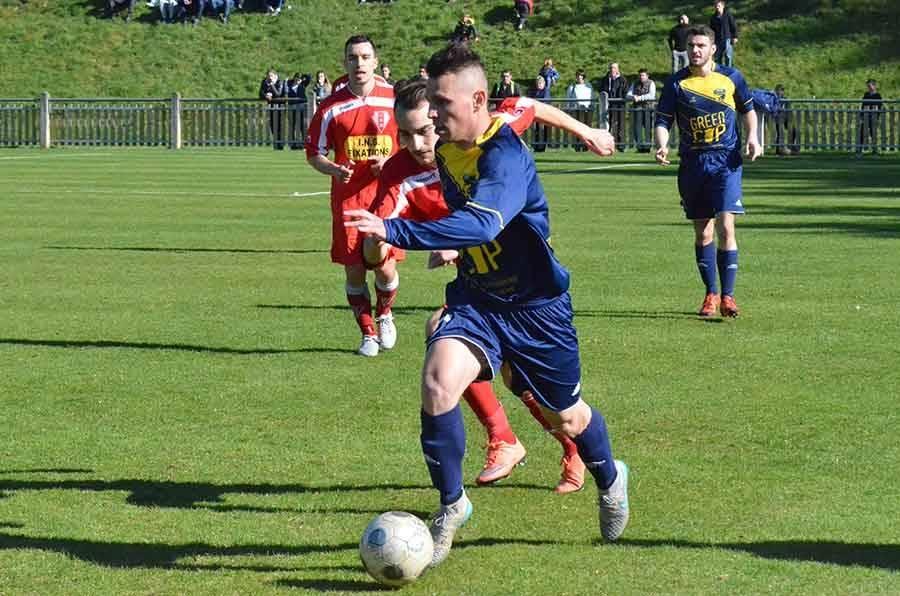 Foot : les photos du match entre Sucs et Lignon et Monistrol
