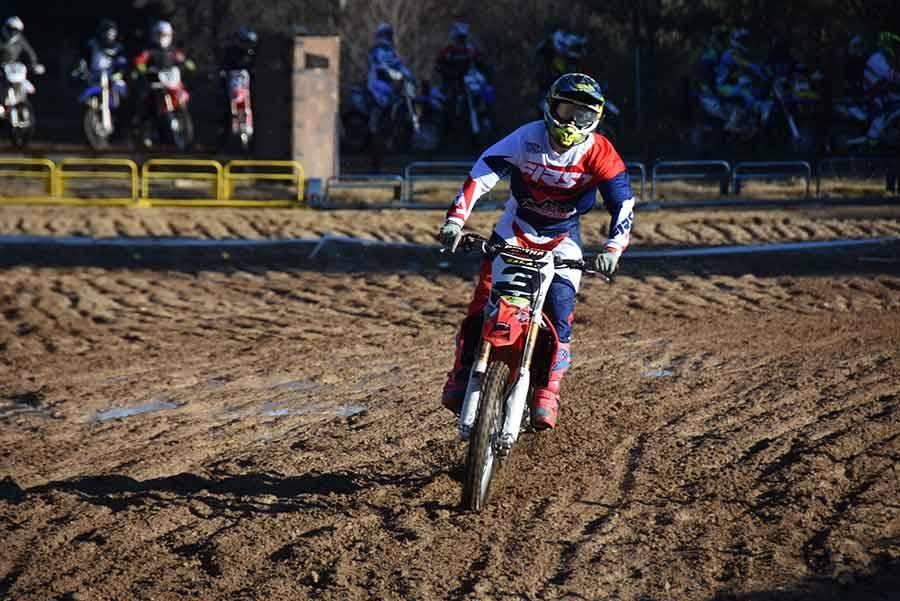 De la boue et du soleil pour le moto-cross d'Yssingeaux ce dimanche