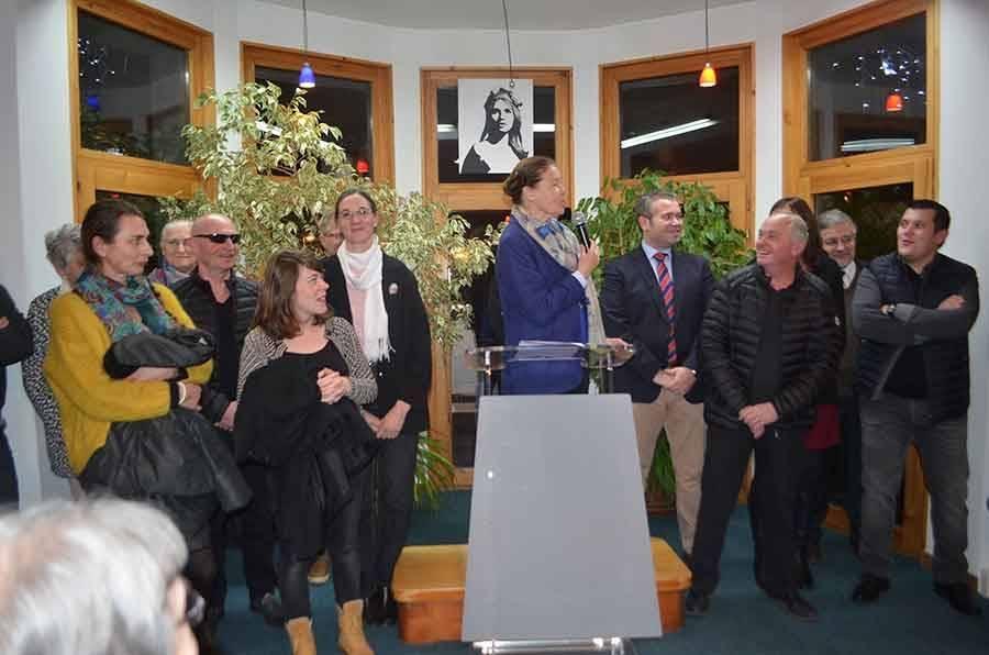 La cérémonie a été l'occasion de se féliciter du passage de témoins dans deux commerces emblématiques de la commune.