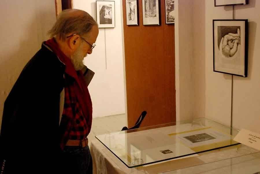 On peut aussi acquérir des livres d'artiste, port-folio originaux, au prix de 300 euros.