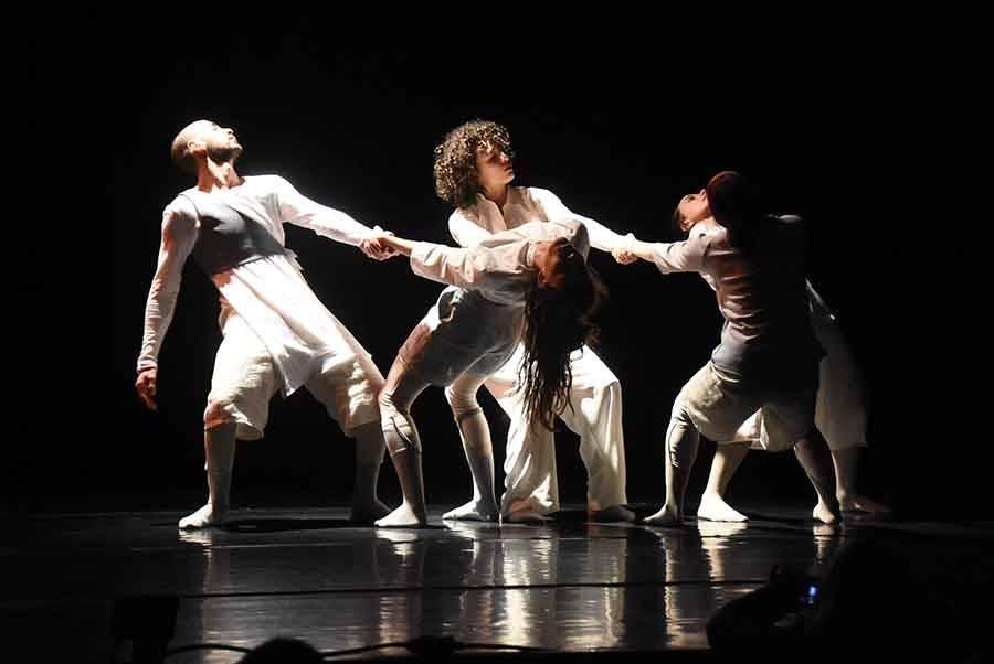 Monistrol-sur-Loire : les écoliers à la rencontre des danseurs en résidence