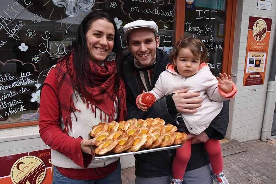 La Foire de Retournac a sa spécialité : une mignonne et délicieuse pâquerette à grignoter.