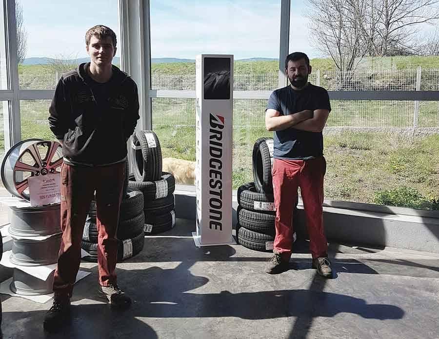 Matthieu Gourgot et Nicolas Trehet sont à la tête de Dolaizon Automobiles depuis deux ans.
