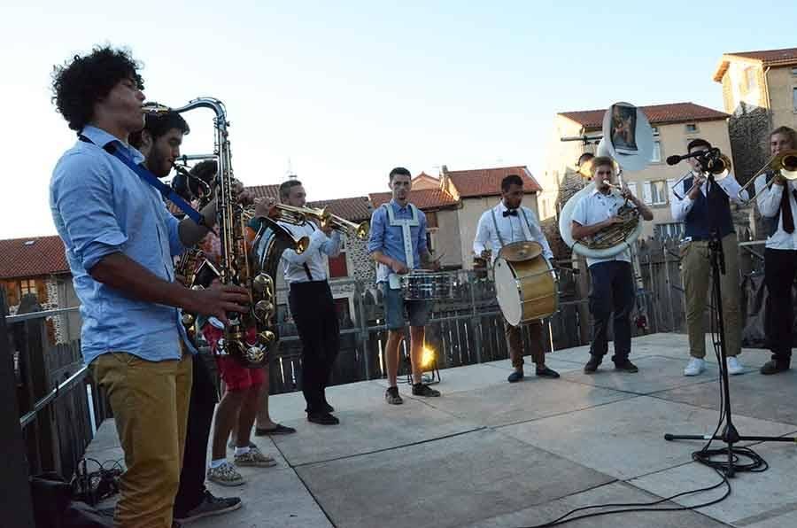 Festival du Monastier : une ouverture en fanfare (vidéo)
