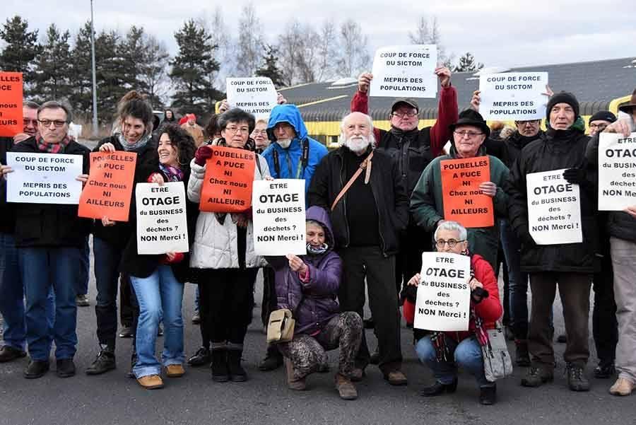 Poubelles : un comité d'accueil revendicatif avant la réunion du Sictom à Tence