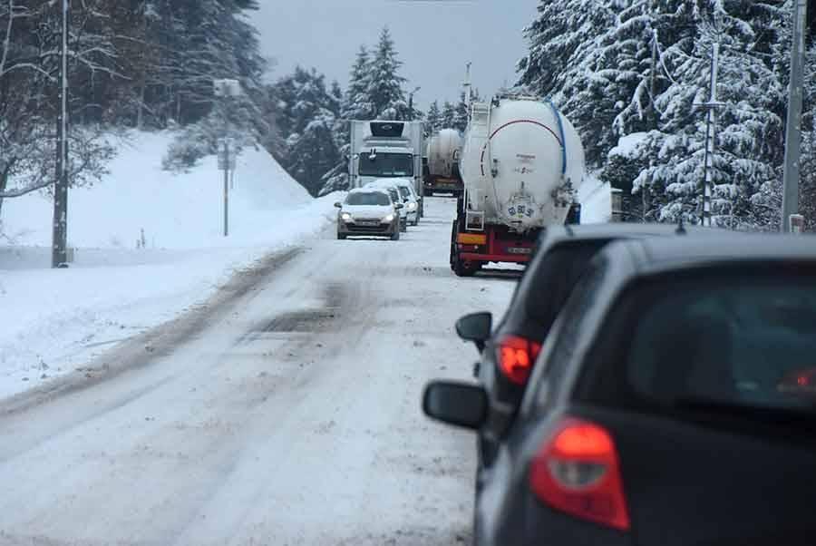 La neige rend la circulation difficile en Haute-Loire