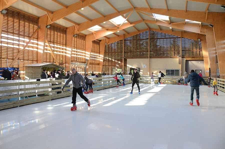 Bas-en-Basset : premières glisses sur la patinoire synthétique