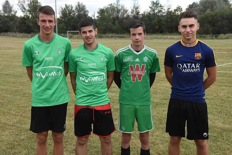 Quatre U19 intègrent les seniors : Thomas CHamblas (milieu), Florent Valson (milieu), Thomas Rea (défenseur) et Maxime Soulier (défenseur).