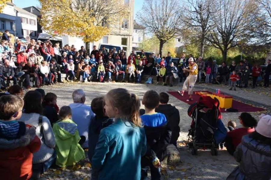 La foule et le soleil au rendez-vous de la Fête de la courge à Saint-Agrève