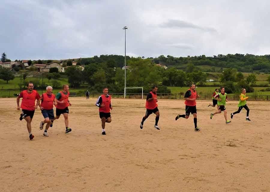 Les arbitres de football en préparation pour la nouvelle saison