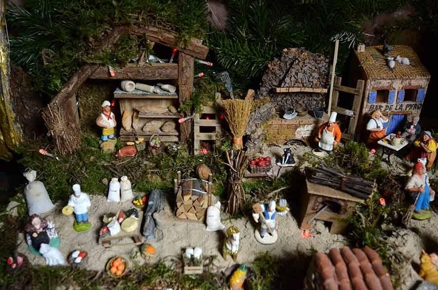 Une crèche et ses 600 santons à découvrir au Chambon-sur-Lignon (vidéo)