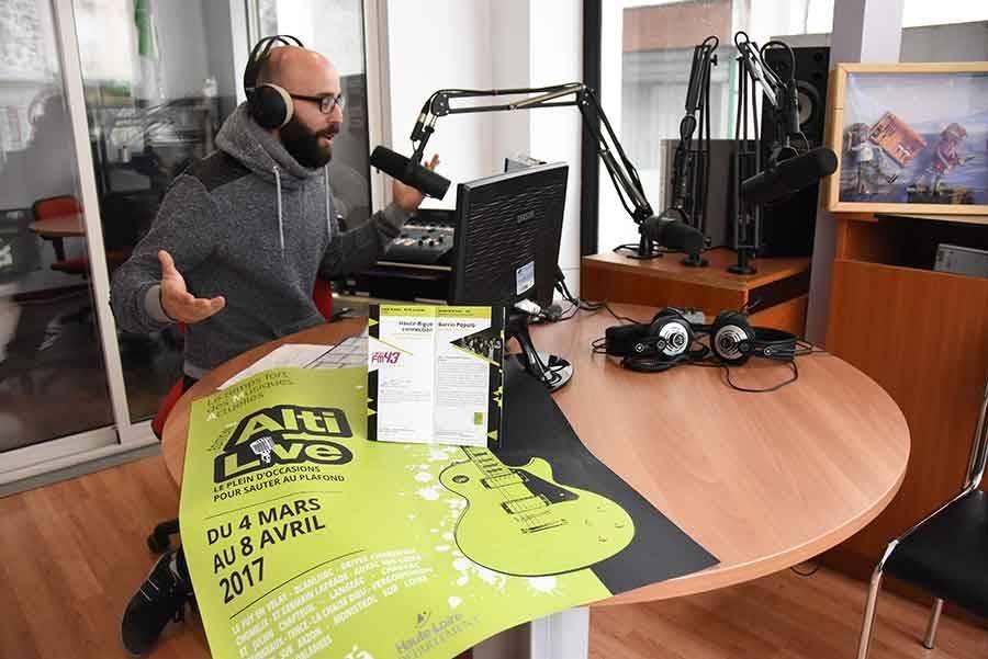 Flavien, animateur sur FM43.