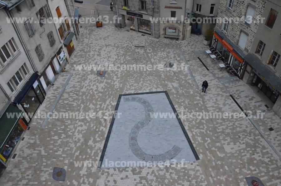 Yssingeaux : les travaux de la Place Carnot en images