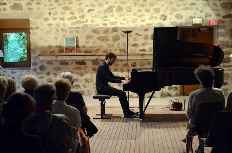 """Le pianiste Thibaut Crassin a refermé """"Musiques sur un Plateau"""""""