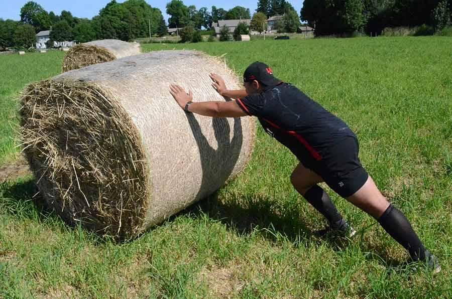 Quand les rugbymen du LOU jouent les agriculteurs (vidéo)