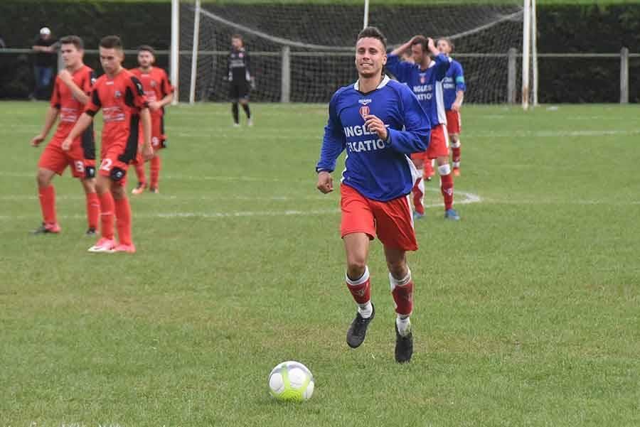 Foot : Monistrol-sur-Loire passe par la petite porte à Bas-en-Basset