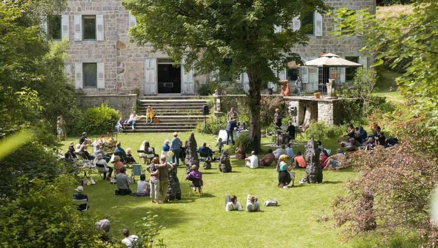 Le Chambon-sur-Lignon : vernissage et concert autour d'un pique-nique aux Roches dimanche