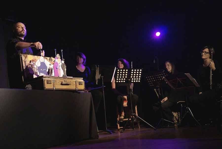Conte, musique et théâtre de papier à apprécier en famille à Saint-Didier-en-Velay