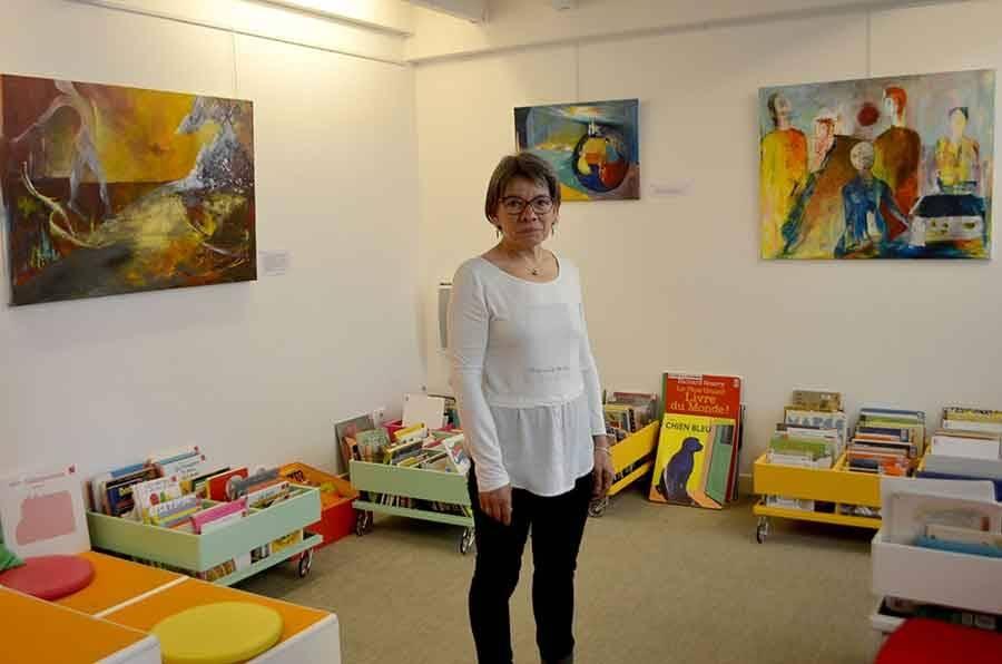Exposition au Chambon-sur-Lignon : Marie-Claire Escarrat danse sa vie en couleurs