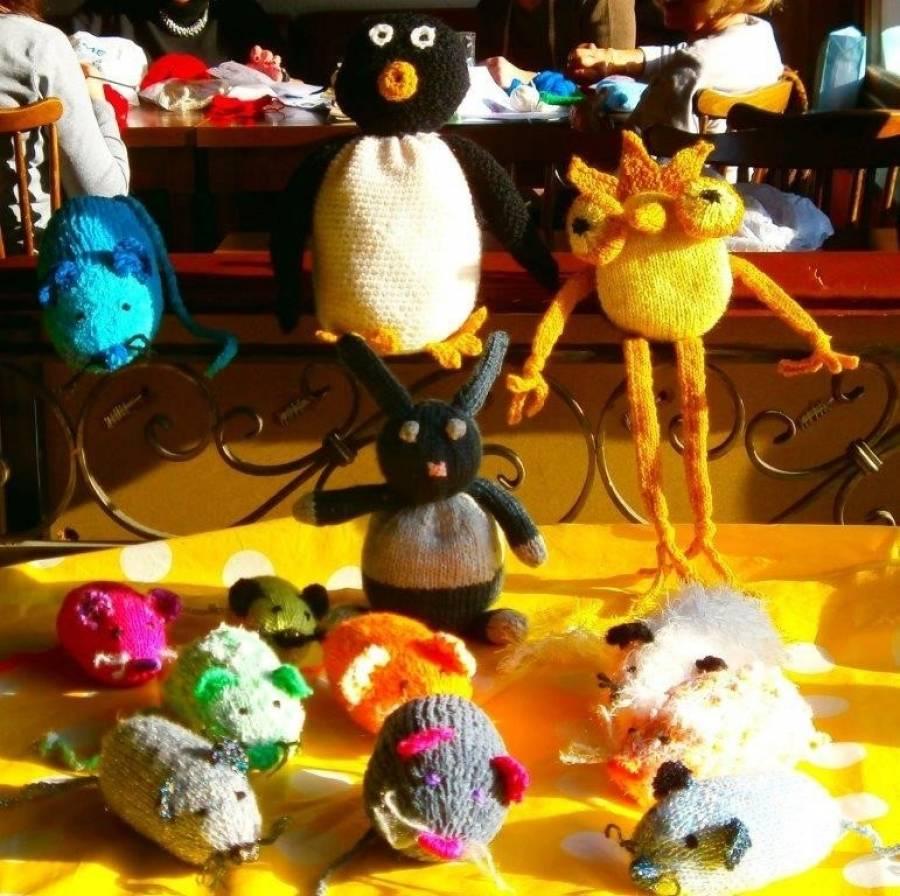 Chambon-sur-Lignon : les tricoteuses vendent leurs créations vendredi aux Mélèzes