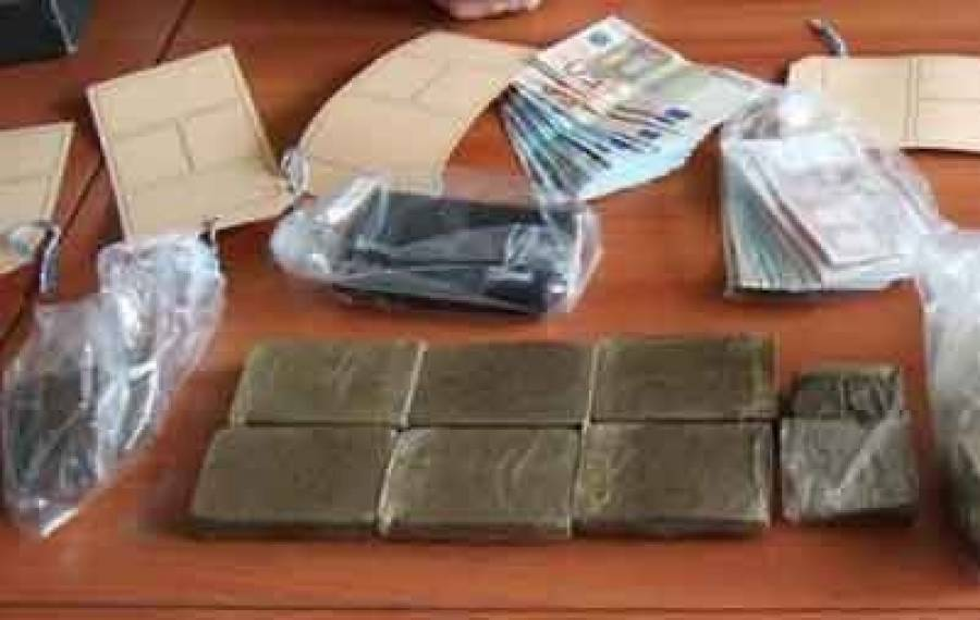 Les gendarmes cherchent une arme, ils trouvent 2,5 kg de résine de cannabis