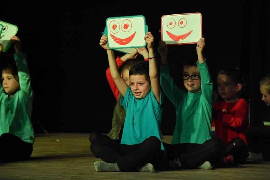 Yssingeaux : le spectacle de Noël des écoles publiques en images