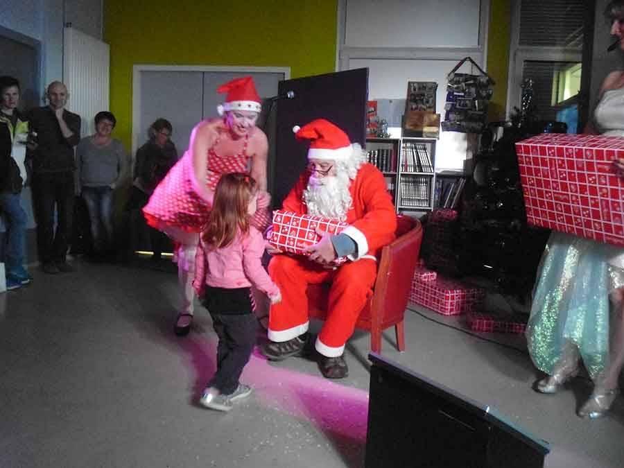 Le Père Noël a fait une halte à la maison de retraite de Tence