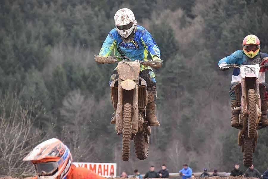 Moto-cross d'Yssingeaux : Axel Mialon mène la danse