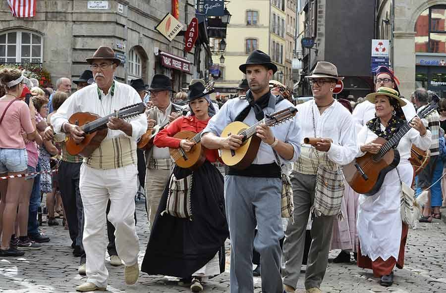 Interfolk : les cultures du Monde paradent au Puy et en Haute-Loire