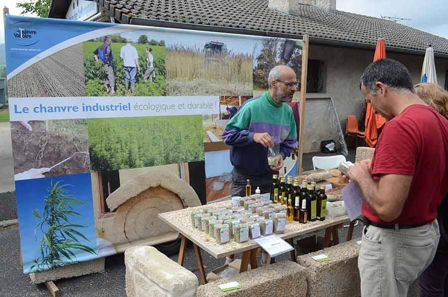 Un marché de producteurs et de l'artisanat local ce dimanche à Saint-Jeures