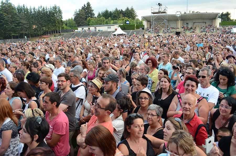 Sainte-Sigolène : Zaz met le feu au stade pour le Live des Brumes