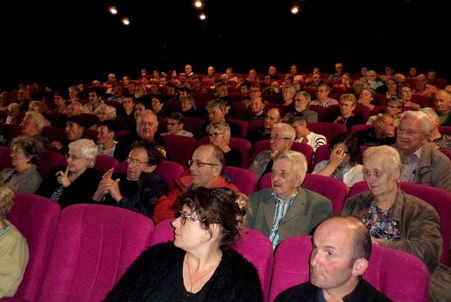 150 spectateurs à la soirée-débat de Ciné-Tence