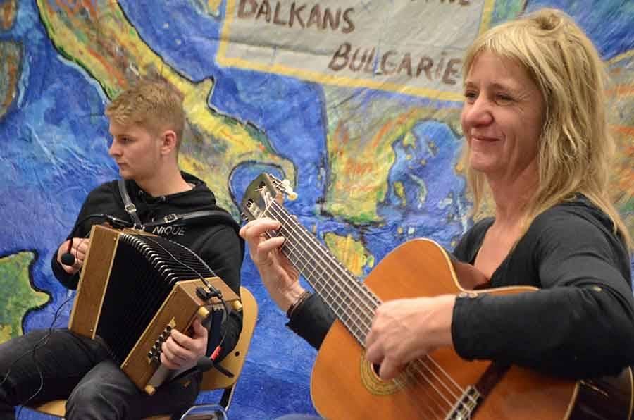 Mathias Pignal et sa maman Marianne, cultivent le goût de la musique en famille.