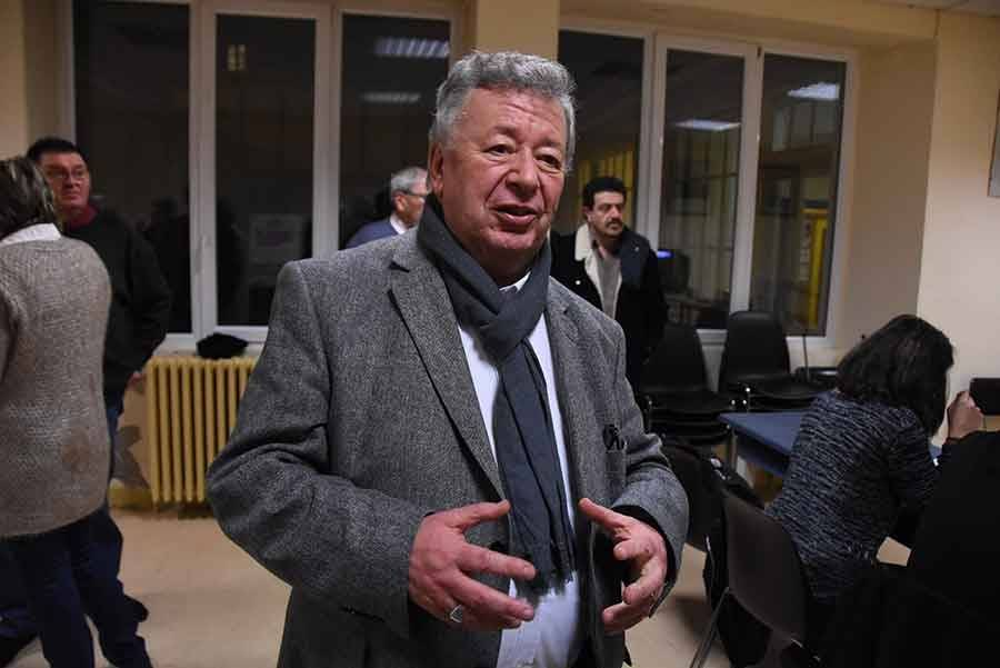 Primaires de la gauche : Hamon en tête devant Valls en Haute-Loire
