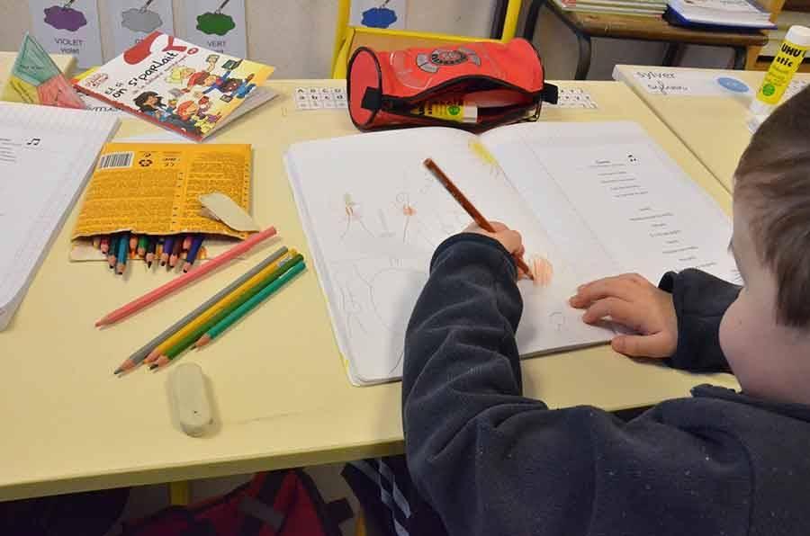 Rythmes scolaires : et si on revenait à quatre jours d'école par semaine ?