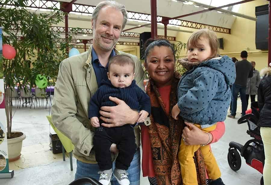 La famille Olivier et ses deux bambins..