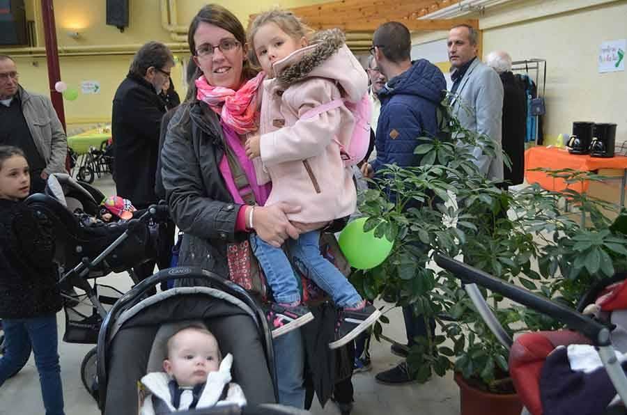Poussette party pour les bébés du pays des sucs