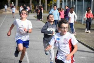 Dunières : 380 écoliers et collégiens tout sourires au cross solidaire