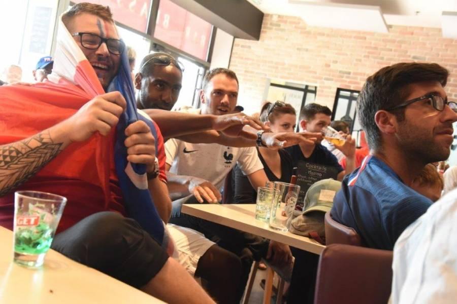 Les supporters de l'équipe de France de foot se mettent à rêver