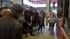 Puy-en-Velay : les accueillis et accueillants familiaux visitent la caserne des pompiers
