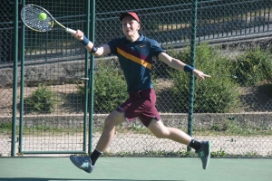 Tence : la finale du petit tournoi de tennis ce lundi midi