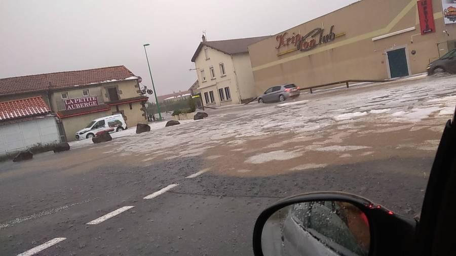 Un déluge de grêle à Yssingeaux, de la foudre sur le Haut-Lignon et le Mézenc