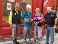 Deux binômes de randonneurs dans les pas de Saint-Régis entre Le Puy et Lalouvesc