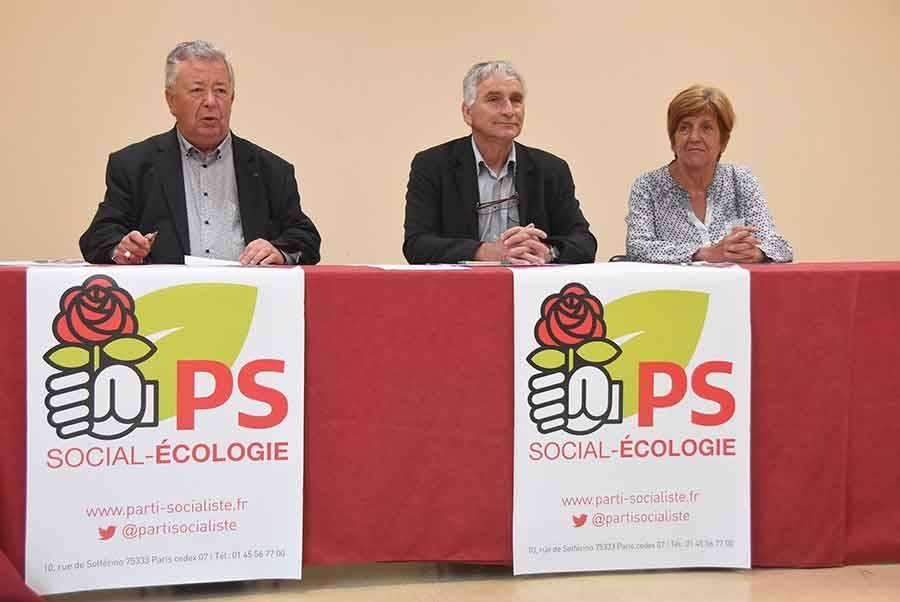 André Chapaveire, secrétaire du PS en Haute-Loire, Patrice Douix, candidat titulaire, et Annie Lardon, candidate suppléante.